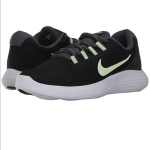 NWT Nike Lunar Converge